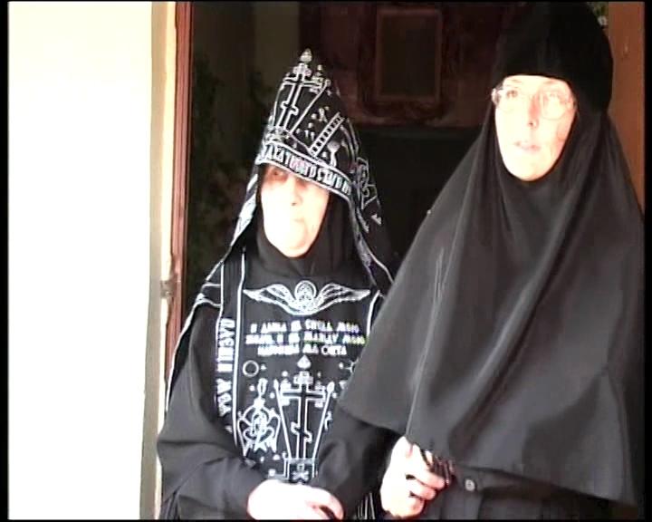 Схимонахиня Рафаила с келейницей игуменьей Моисеей