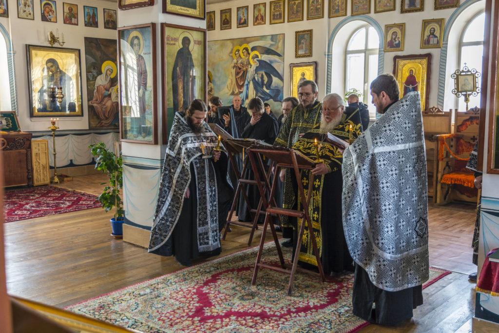 В среду вечером в Покровском монастыре был прочитан Великий покаянный канон Андрея Критского с житием преподобной Марии Египетской.